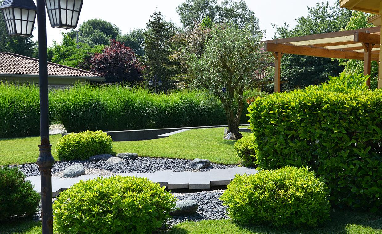 Özel Villa Bahçesi - Sert Peyzaj Çalışması